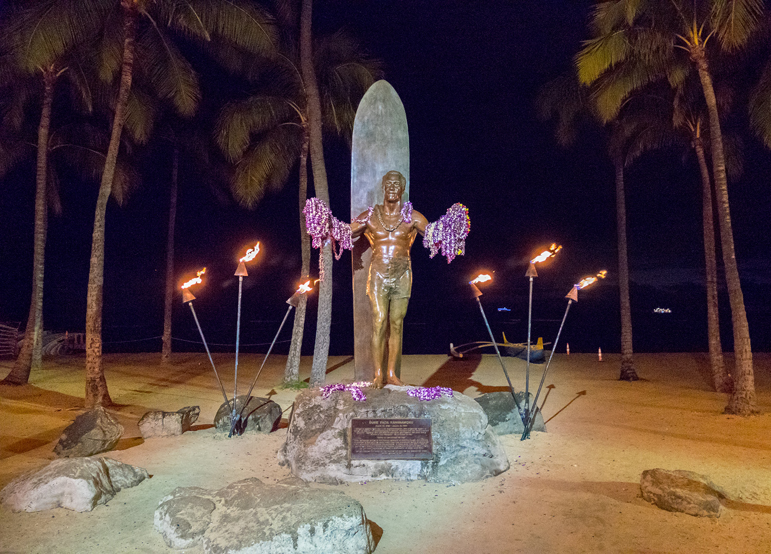 statue duke waikiki hawaii